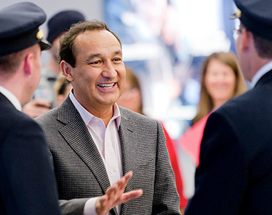 United Boss Oscar Munoz