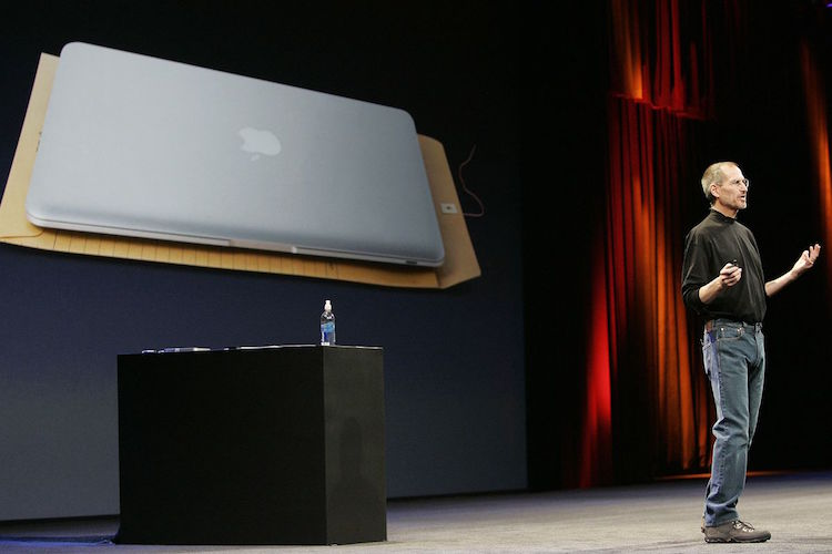 Steve Jobs public speaking at product launch